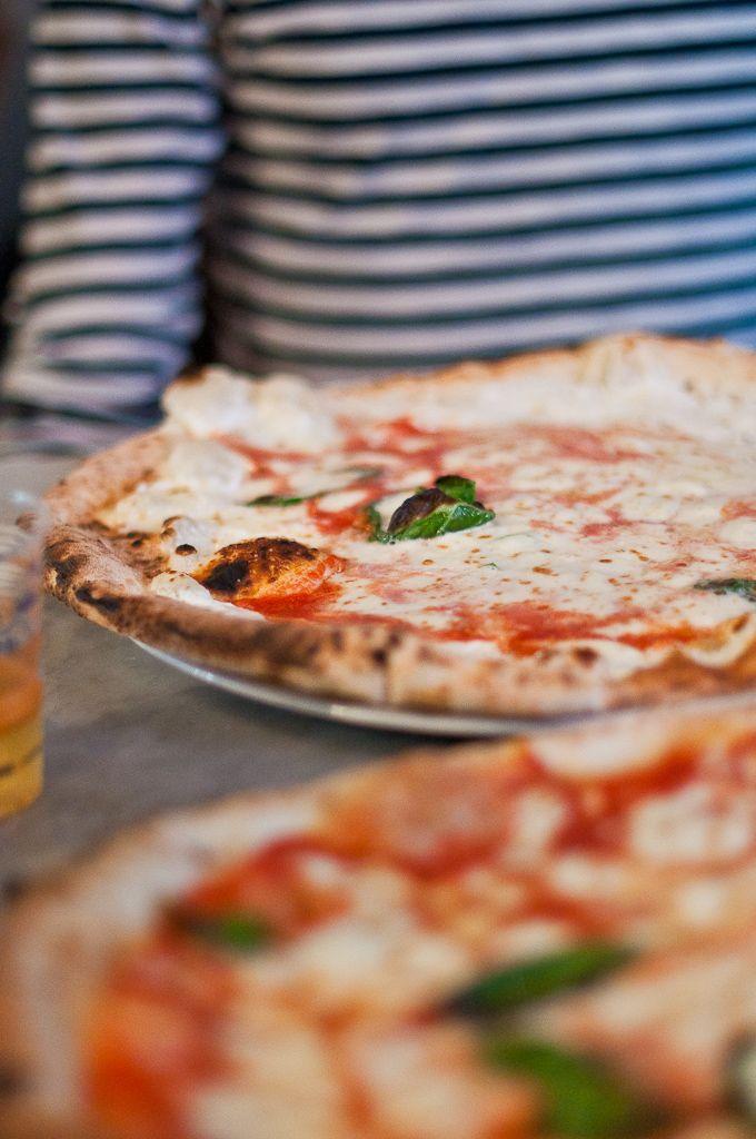 Pizza from Napoli, Life Love Food blog (@Valeria Necchio )