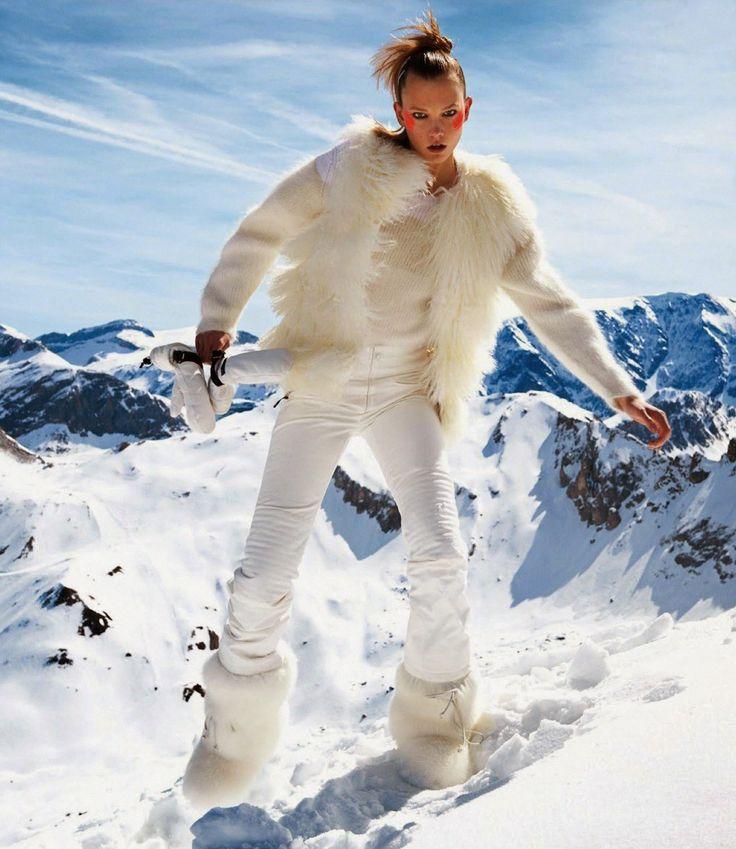 ☆ Karlie Kloss | Photography by Gilles Bensimon | For Vogue Magazine France | November 2014 ☆ #Karlie_Kloss #Gilles_Bensimon #Vogue #2014