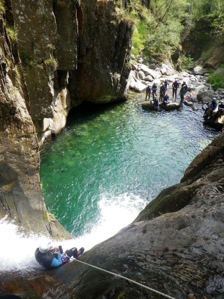 Toboggan de 8m www.speleo-canyon-ariege.com