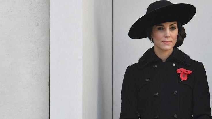 [TheTOC]: Θλιμμένη και ντυμένη στα μαύρα η Δούκισσα του Κέιμπριτζ [Εικόνες]   http://www.multi-news.gr/thetoc-thlimmeni-ntimeni-sta-mavra-doukissa-tou-keimpritz-ikones/?utm_source=PN&utm_medium=multi-news.gr&utm_campaign=Socializr-multi-news