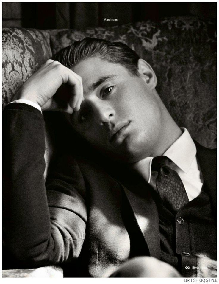 Max Irons Charms in Gucci Tailoring for British GQ Style Fall/Winter 2014 image Max Irons British GQ Style Fall 2014 Photos 004 800x1036