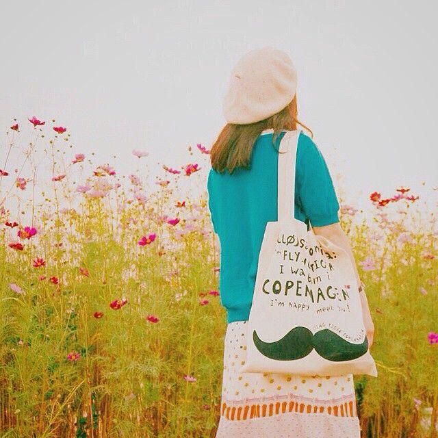 Picnic time :) Repost from @yui0406jd / #flyingtiger #tigerstores #flyingtigercopenhagen #bag #mustache #flyingtigercph