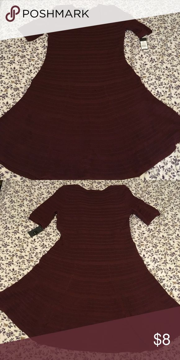 SALE💥 Burgundy Sweater Dress Perfect dinner date dress for this winter!  This dress is a sweater dress! It has never been worn just tried on by me!   The dress says it's for XXL but I think it runs kind of small. Maybe XL or maybe just not for my shape! I love this dress and I would love for you to have it!  If you have any questions let me know! Mossimo Supply Co. Dresses Midi