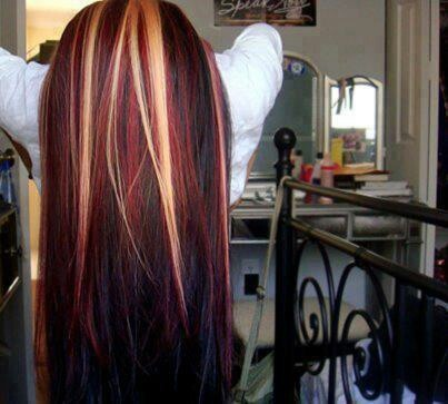 Red & blonde highlights. Omg this is cute as hell.