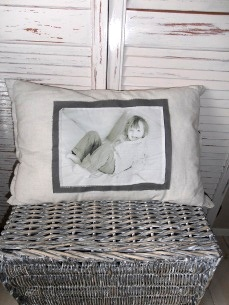 Linen pillow with photo of loved one on fabric. By Doekedoek.