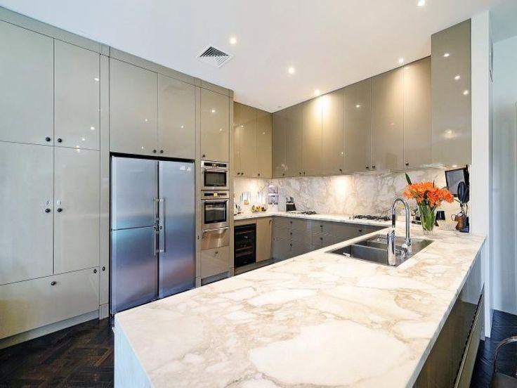 Brighton, VIC Sales Agents - Jacqueline Maggs and Marcus Gollings JP Dixon Real Estate - Brighton 03 9596 7411 #kitchen #houseoftheday #design #kitcheninspo #kitchendesign