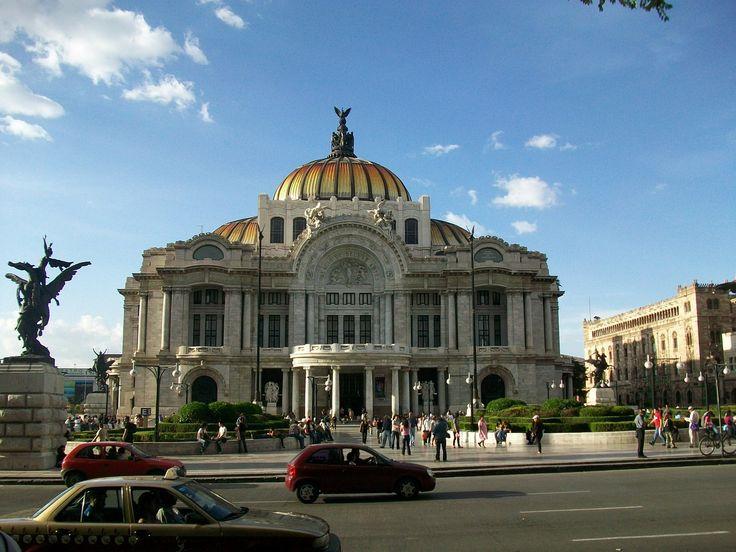 Città del Messico: il Palazzo delle Belle Arti.