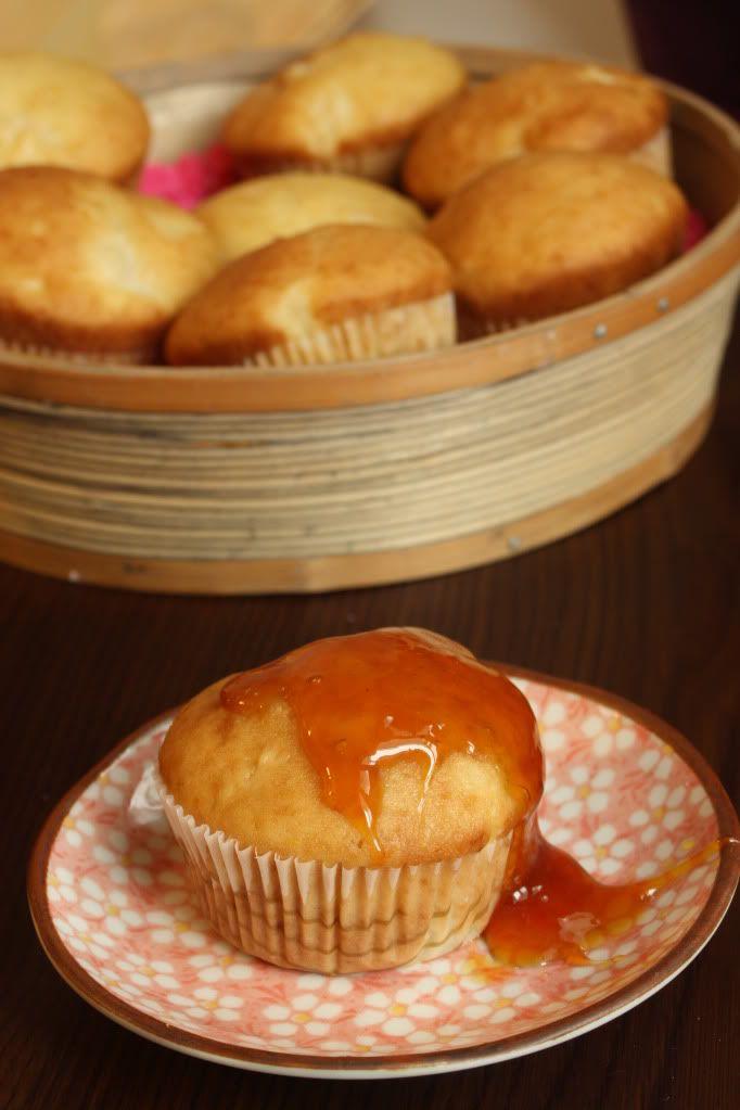 Taste Bazaar: Briose cu smantana, ananas si coaja de portocale