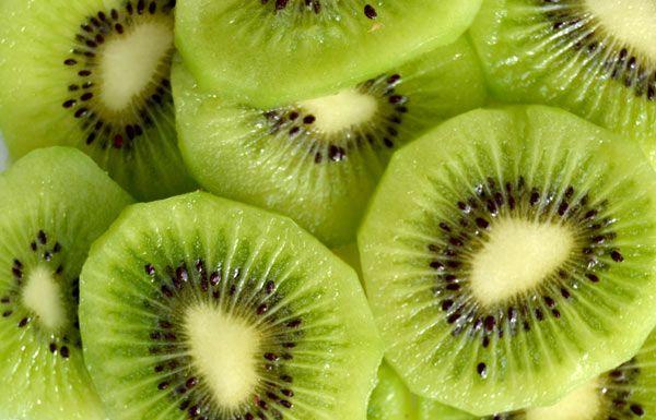 Conoce los beneficios del kiwi para la salud.
