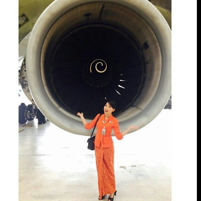 Garuda Indonesia Stewardess @_asiancrew