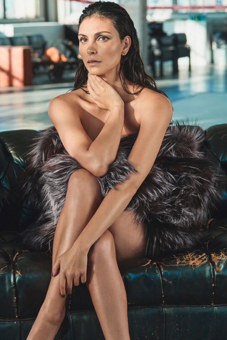 Actress Morena Baccarin shows some serious skin on the December 2016 cover of GQ Mexico. Lensed by Hunter & Gatti, the Brazilian beauty wears a Helena Yarmuk fur stole. Named the magazine's 'Woman of the Year', Morena turns up the glam in a mix of lingerie and outwear for the accompanying spread. Fashion director Fernando Carrillo …