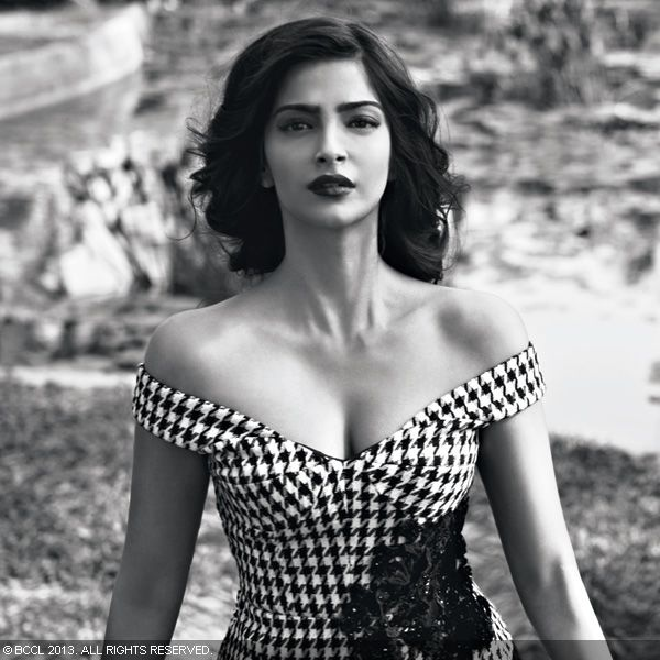 Sonam Kapoor turns into vulnerable beauty during the Filmfare photoshoot.