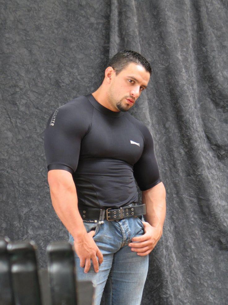 [Image: 53d943f60183d9ca2ebf86a903b79720--muscle...le-men.jpg]
