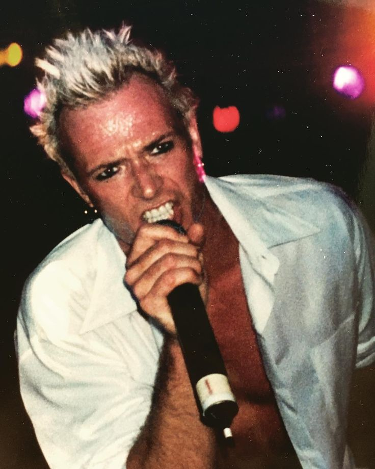 Scott Weiland ~ 2001. Photo: Courtney Bindel