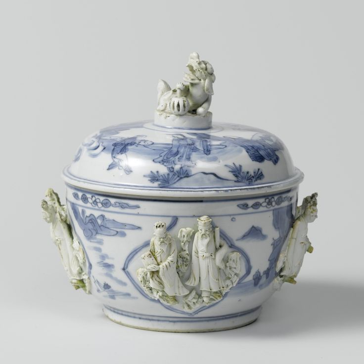 Lidded pot, China, Transition period, c.1620-c.1640, blue and white porcelain…