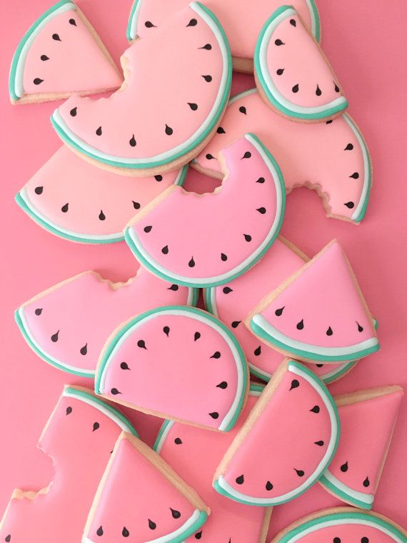 This listing includes 1 dozen (12) watermelon sugar cookies, in two sizes - 6 large (3.5 wide), 6 medium (3 wide), with maybe a few wedges thrown in! Please choose colors from the dropdown menu. Cant decide? Choose hol fox mix from the dropdown, and Id be happy to create your color mix!  These cookies come individually heat sealed in cellophane bags- please note, listing is for watermelons only, gems sold separately.  Interested in different colors, a custom matched Pantone color, or a…