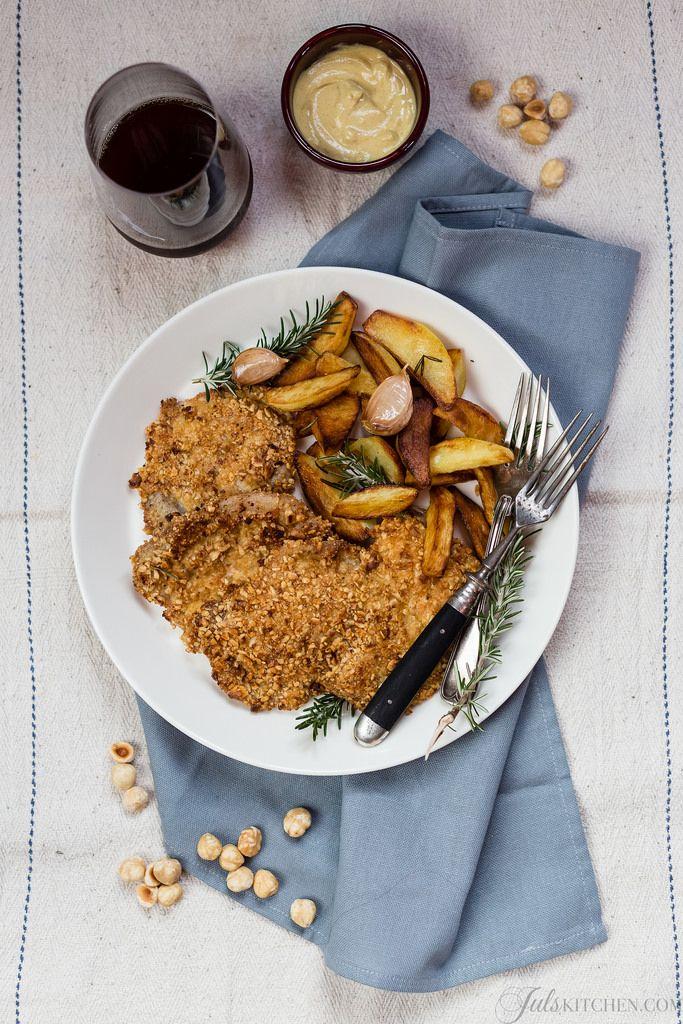 Cotolette di maiale con panatura di nocciole http://it.julskitchen.com/ricette-senza-glutine/cotolette-con-panatura-di-nocciole