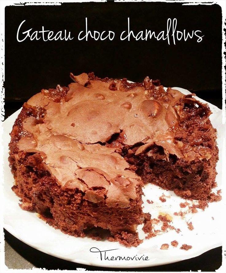 Après le succès de nos chamallows réalisés au thermomix, nous avons eu l'idée de les intégrer dans un gâteau au chocolat pour l'anniversaire de notre petite Téa. Un véritable succès... Et ce petit goût de chamallow légèrement caramélisé associé au croquant...