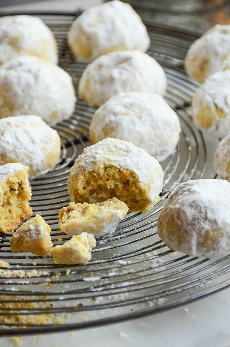 PISTACHIO BUTTER COOKIES, melt in your mouth nut cookies with a coating of powdered sugar. They make amazing holiday gifts.