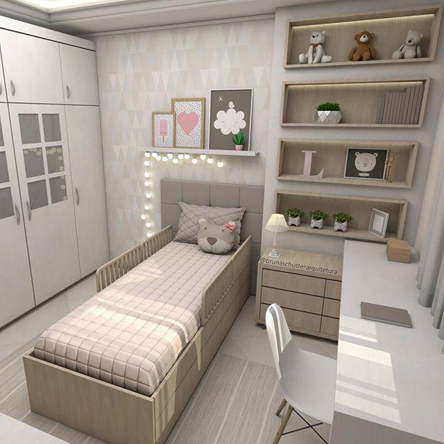 Mais uma vista desse dormitório infantil, onde podemos ver o armário existente e a nova bancada de estudos. Projeto e 3D por @brunaschusterarquitetura  #brunaschusterarquitetura #interiores #bedroom #decor #dormitórioinfantil #marcenaria #homedecor #bedroomideas #kids #instadecor #arquitetura #archilovers #decoração