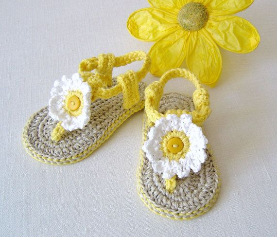 CROCHET PATTERN Baby Sandals with Daisies 3 Sizes Easy Baby Shoes Pattern Photo Tutorial PDF Instant Download