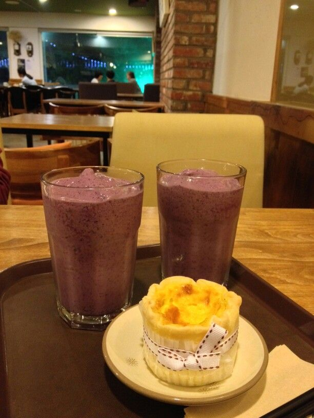 #cafe #bakery #dessert #blueberrysmoothie #eggtart #busan