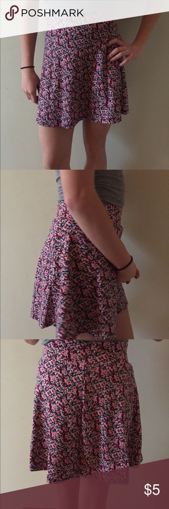 Pink Skater Skirt A gently used pink skater skirt in excellent condition! Skirts Circle & Skater