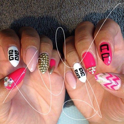 7 versace nails