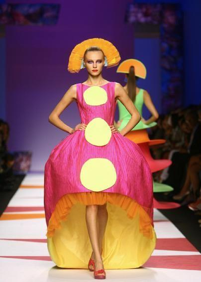 Avant garde fashion show 69