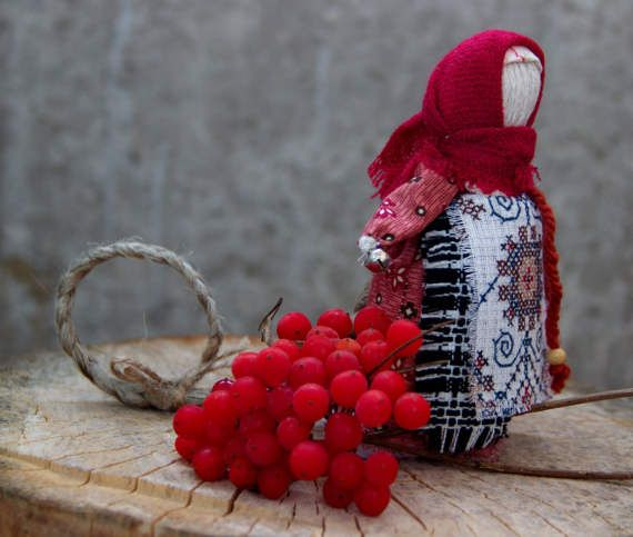 Doll For happiness offered with wishes of happiness, good luck. Long braid - a symbol of wisdom, a long and happy life. Can be personal doll girl that you can carry.