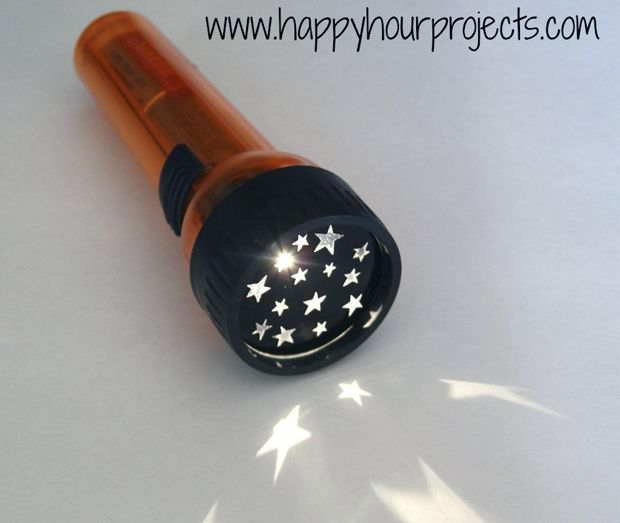 linterna-estrellas-diy: Happy Hour, Projects, Flashlight, Gifts Ideas, Starry Night, Stars, Contact Paper, Kids, Silhouette Cameo