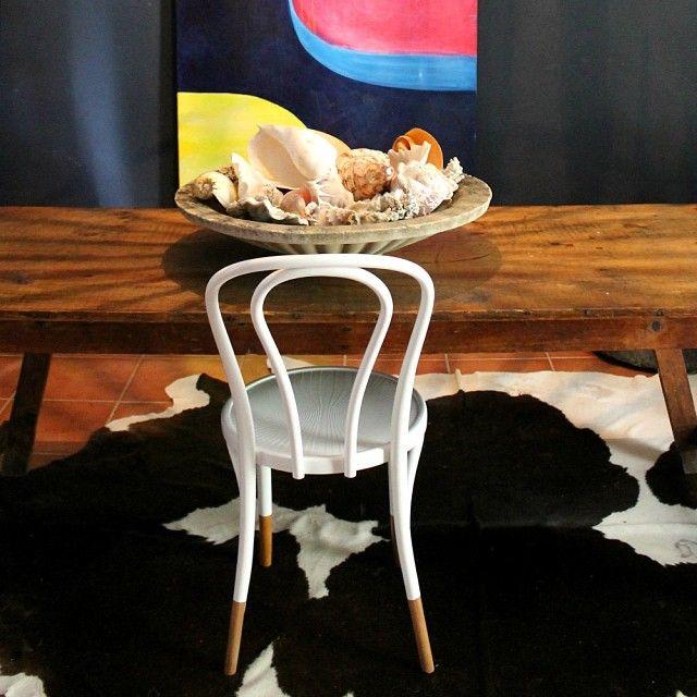 desire to inspire - desiretoinspire.net - Bentwood chairs in the diningroom