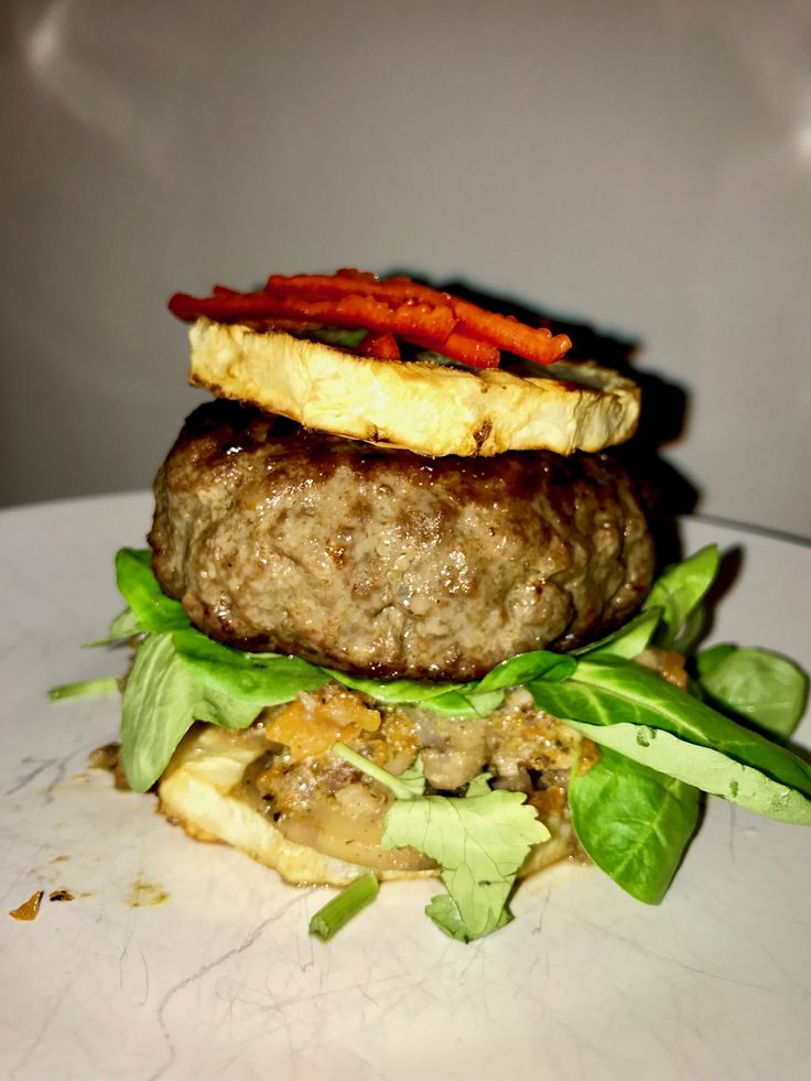 Baked celery beef burger with mushrooms #whole30