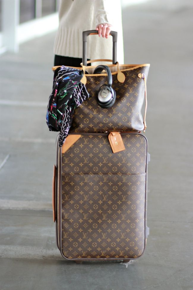 Airport Chic - Louis Vuitton Neverfull MM and Pegase carryon
