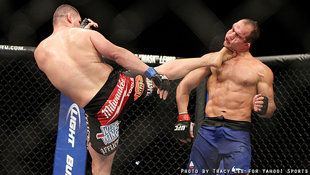 UFC 155: Cain Velasquez mauls Junior dos Santos to win back UFC heavyweight title
