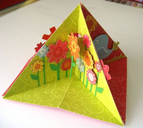 SCRAPBOOK – TIPY a TRIKY od HuráPapíru » Návod na TROJÚHELNÍKOVÉ 3D PŘÁNÍČKO