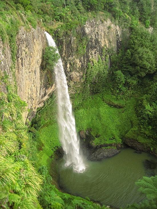 Veil Waterfall - 55m drop, New Zealand North Island