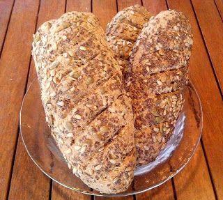 Μμμμμμμμμμμμ...: Ψωμί πολύσπορο!!!