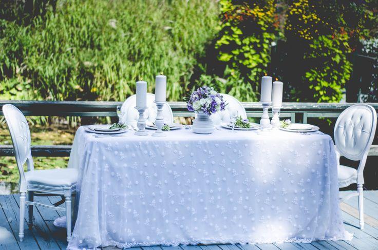 Photos: www.lapalettek.com  Flowers: http://www.vivienflorist.com/