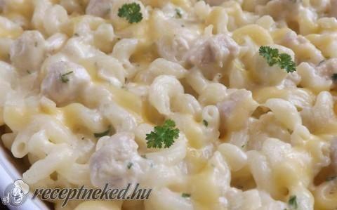 Háromsajtos-csirkés tészta recept