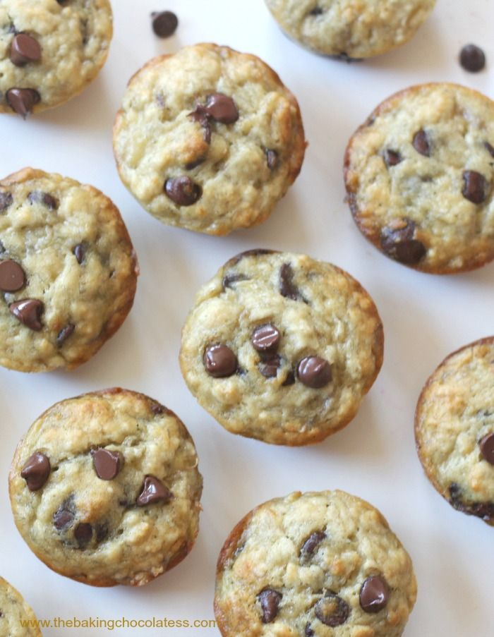 Perfect Banana Chocolate Chip Muffins! Fluffy