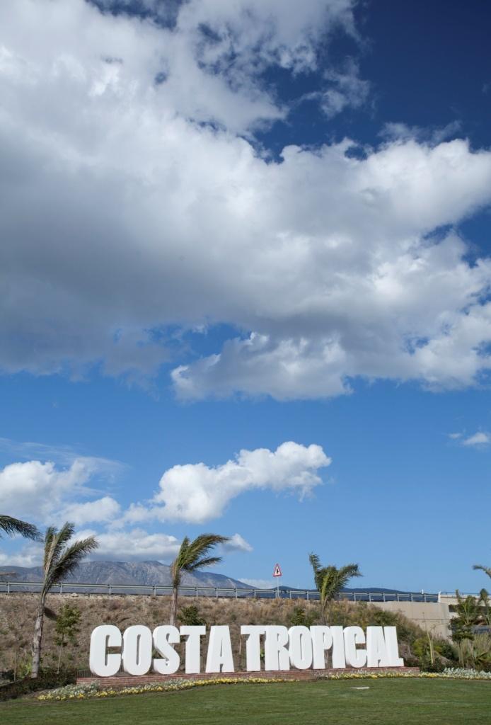 Ubicado en Playa Granada (Motril) junto a Villa Astrida muy muy pronto podrás disfrutar de Oleaje Playa Granada, un nuevo concepto de establecimiento referente de Gastronomía, Ocio y Eventos en la Costa Tropical.