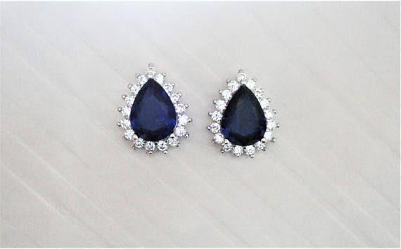Blue Pear cut lab Sapphire with Clear/White round cut natural