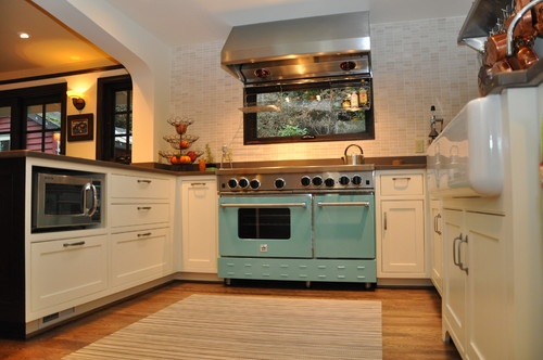Alki Cottage eclectic kitchen // turquoise!