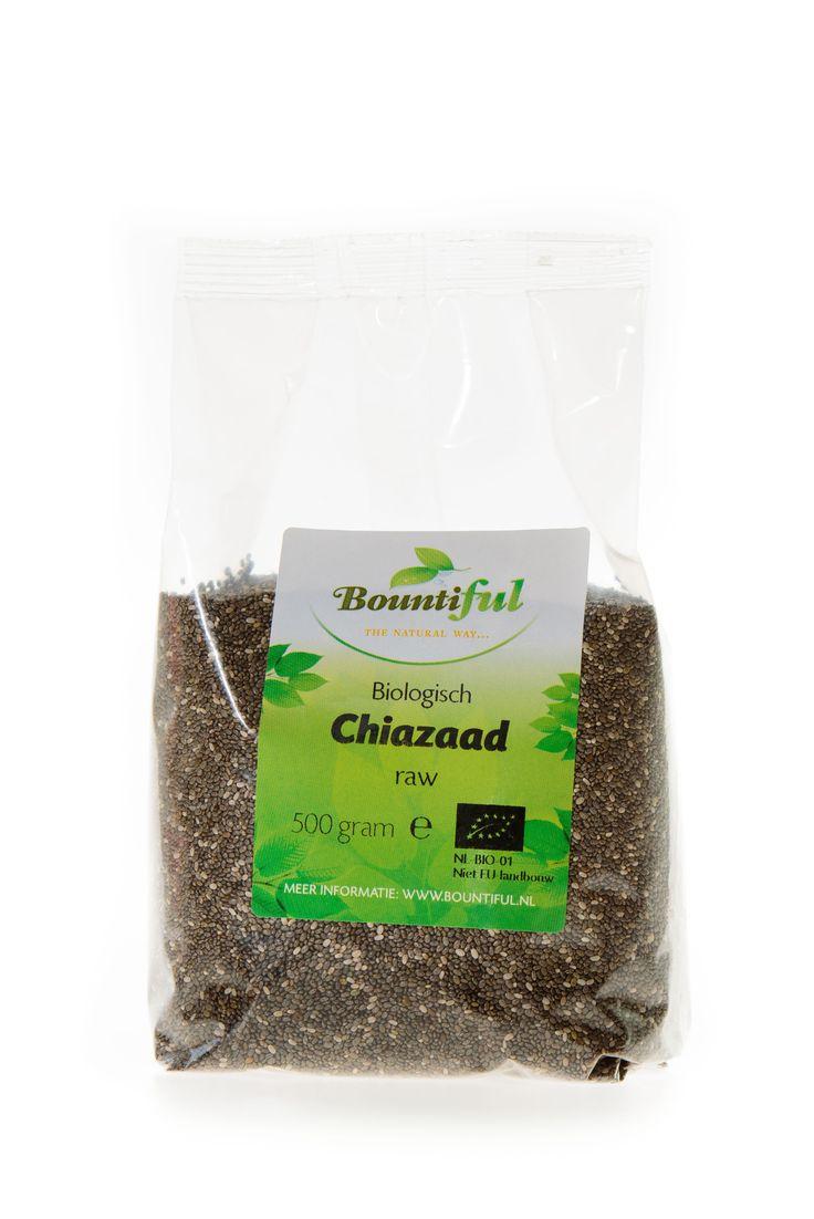 Chiazaad Bio. Chiazaad kan jaren bewaard worden. Doe een eetlepel chiazaad in een glas water of sap, roer en laat het een minuut of 5 staan, dan nog een keer omroeren en opdrinken. Chiazaad kan toegevoegd worden aan jam, notenspread, pindakaas, muesli, ontbijtgranen, sauzen en soepen. Chiazaad is vezelrijk.