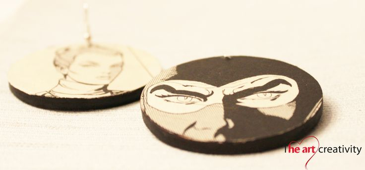 """Orecchino con base in legno e applicazione di fumetto """"Diabolik"""". #handmade #legno #carta"""