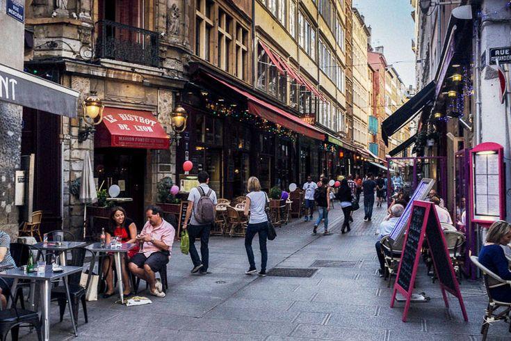 Visite du centre de Lyon, depuis l'Opéra et la Place des Terreaux jusqu'à Bellecour en passant par la Rue de la République, entre restaurants et shopping