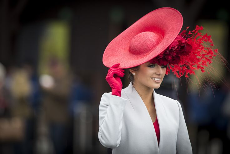 Stunning style at the 2017 Punchestown Festival Bollinger Best Dressed Lady competition