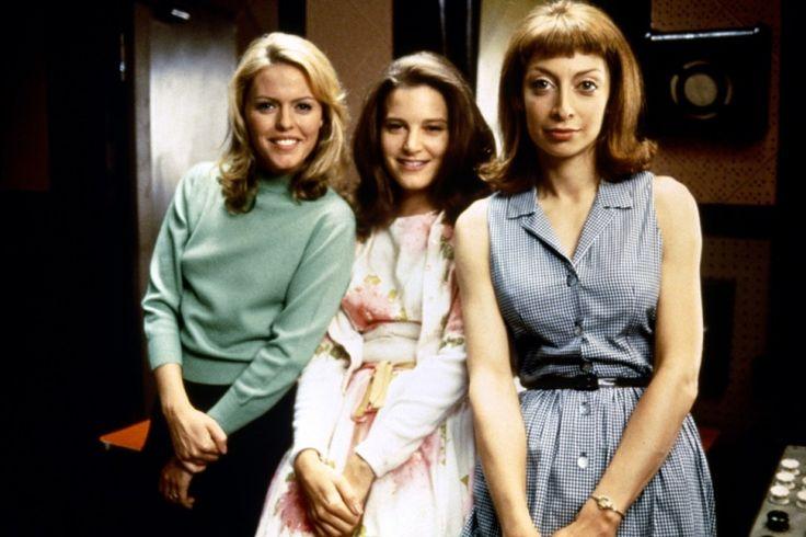 Grace of My Heart - Illeana Douglas - Bridget Fonda - Patsy Kensit