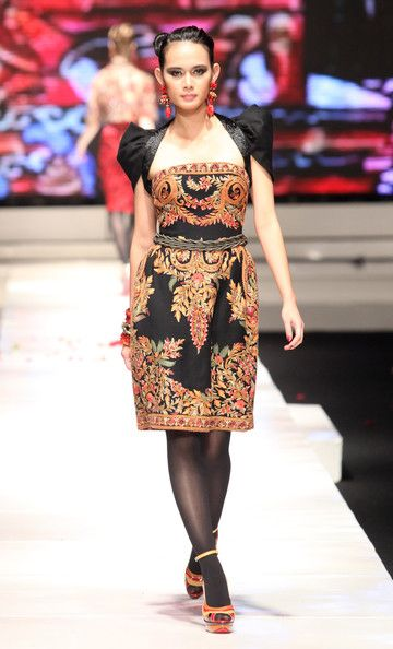 A model showcases designs on the runway by Sebastian Gunawan as part of the Dewi Fashion Knights collection show on day six of Jakarta Fashion Week 2009 at the Fashion Tent, Pacific Place on November 19, 2009 in Jakarta, Indonesia.